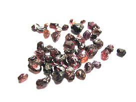 GARNET CRYSTAL LOT FROM BURUNDI 20 CTS 50 PIECES APPROX.